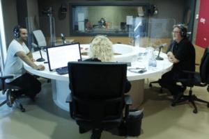 Imatge dels tertulians a l'estudi de Ràdio 4
